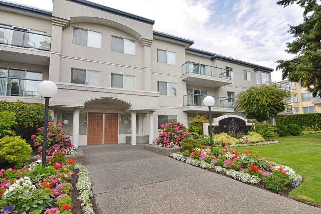 104 1441 BLACKWOOD STREET - White Rock Apartment/Condo for sale, 2 Bedrooms (R2234722) #1